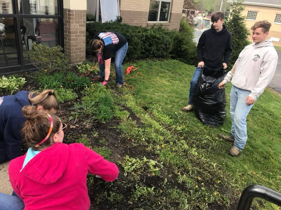 FFA Volunteer Community Cleanup